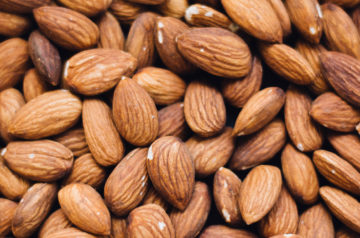 tasty-simple-snacks-100-calories-less-almonds-healthy